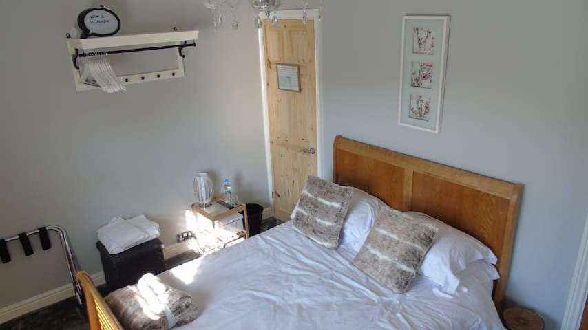 Wirral Smart Double Bedroom