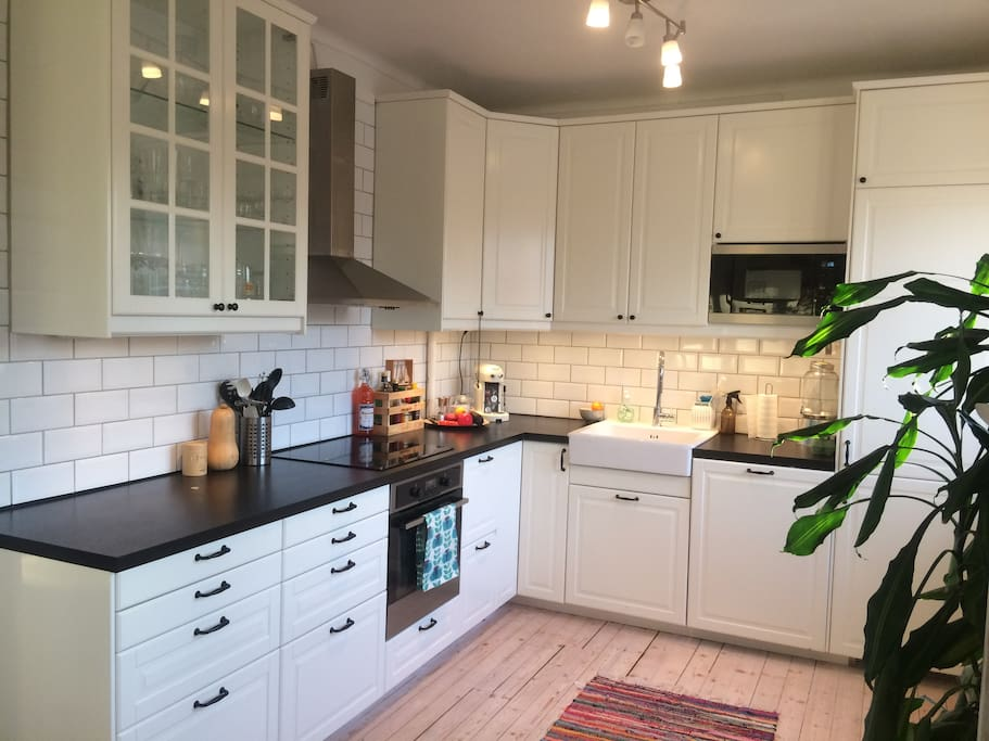 Big kitchen with everything you need. Dishwasher included.