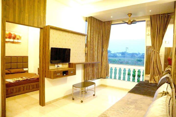 Premium AC Studio Apartment In Lonavala , Malavli