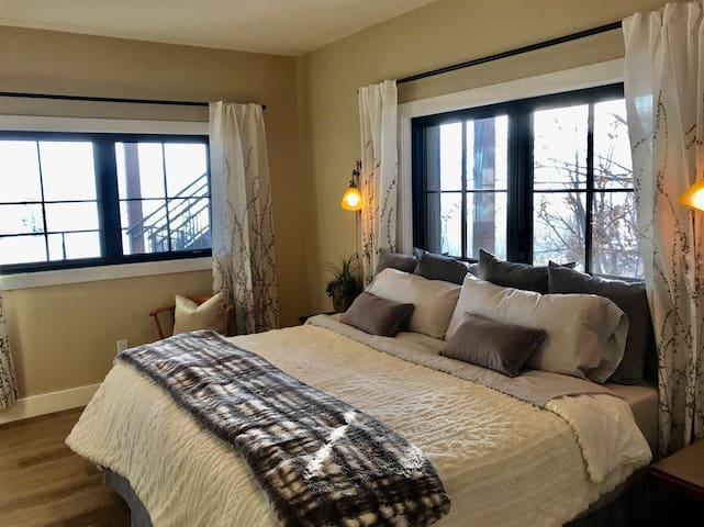 Bedroom with King bed or option for two singles.