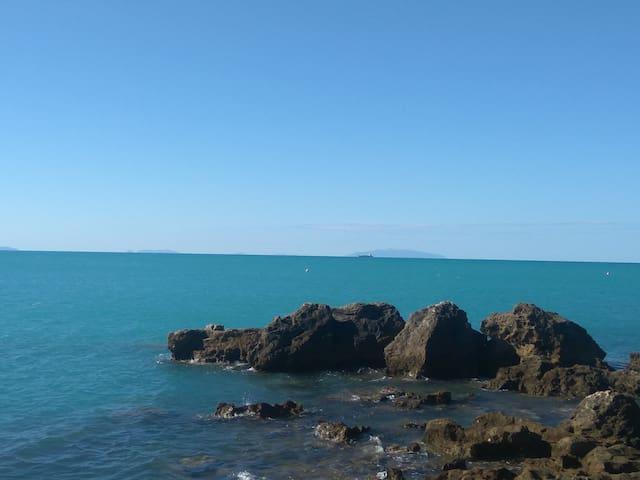 Nuovo vicino al mare  Free Wi-Fi  A/ C