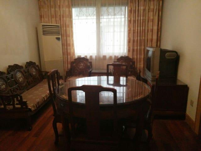 中式风格 温馨优雅 3室1厅