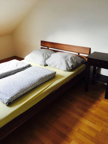 Gemütliches Gästezimmer am Motodrom - Hockenheim - Bed & Breakfast