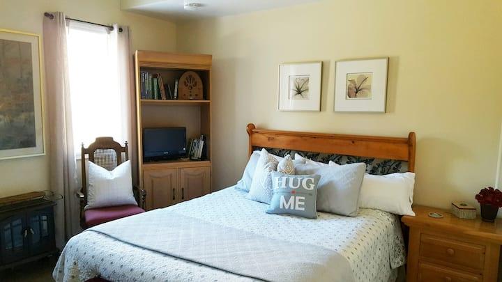 June Lake Chalet, Chalet Suite 3 / Sleeps 2