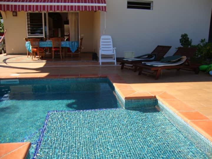 Chambre TAMA dans villa -  5 minutes de la plage