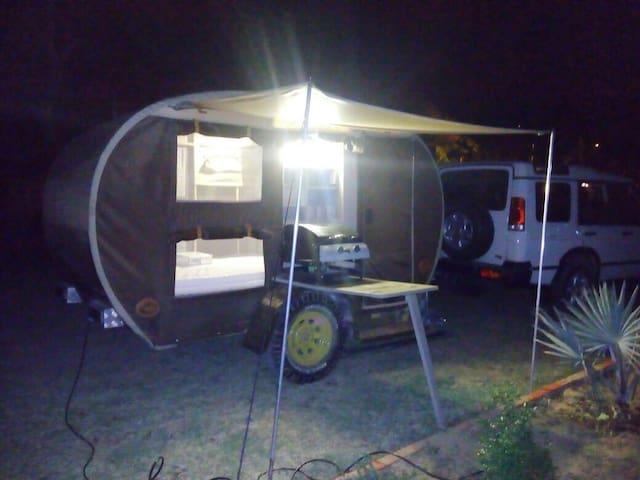 NUEVO¡¡ ALOJAMIENTO EN CARAVANA O CAMPER TRAILER - Palomino