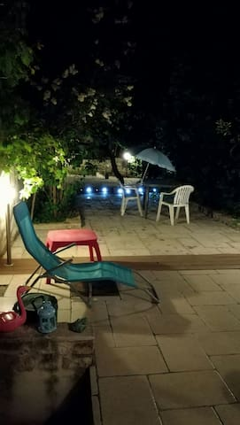 Room in coliving charmly flat, garden, centre,wifi