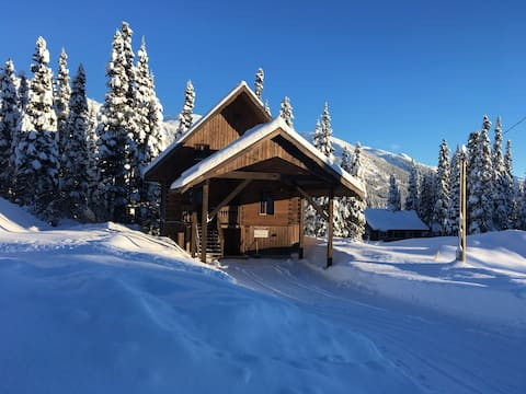 Newly built cozy chalet at Powder King