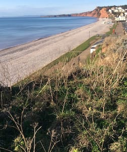 Spacious first floor flat - 3 + nights only - Budleigh Salterton