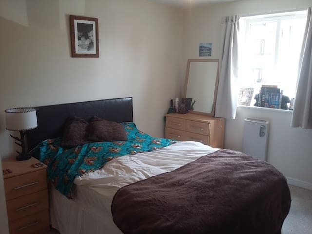 Double room by Thames-Erith,London,Nr CityAirport