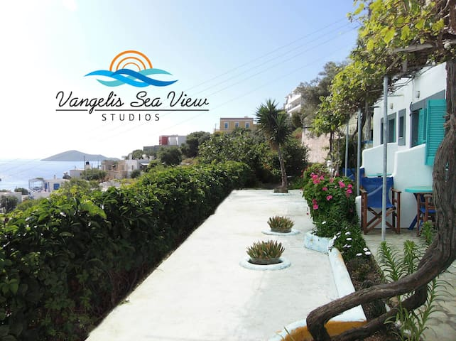 VANGELIS SEA VIEW STUDIOS - panteli - Bed & Breakfast