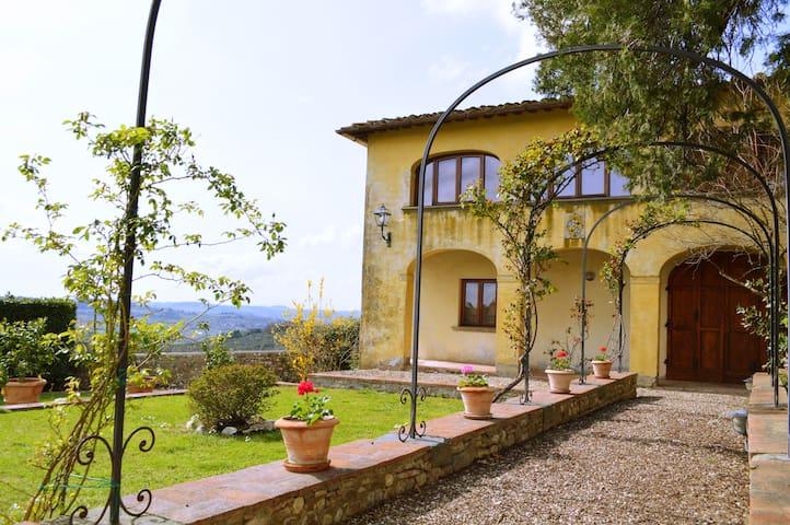 Private House in Chianti with pool - ซาน คาสเซียโน อิน วาล ดิ ปีซา - บ้าน