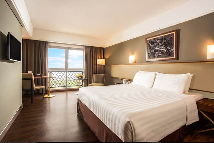 Room B&B 5 mnt to Kebon Raya Bgr by Swiss-Belhotel