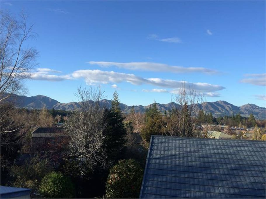 Balcony view to the mountains