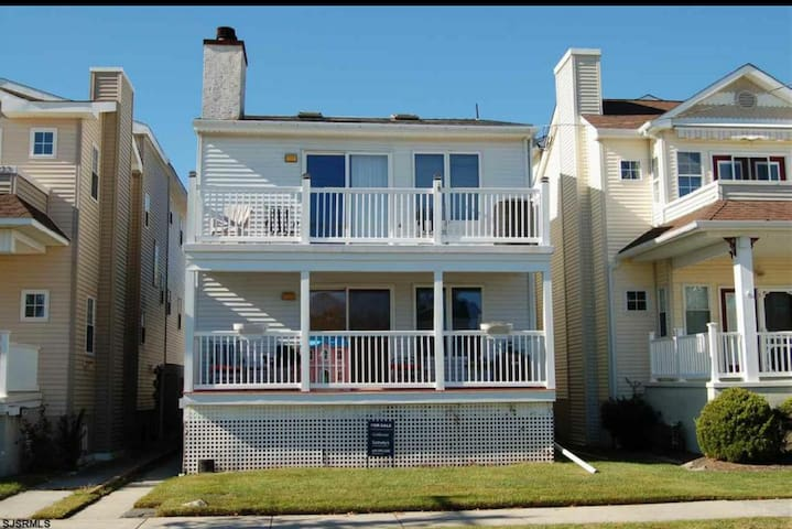 Family Friendly Beach House - Ocean City - Hus