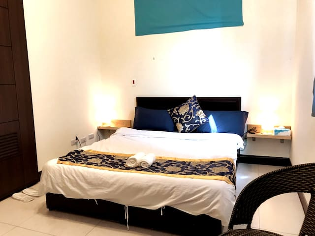 1double bed suite with bath room 57111