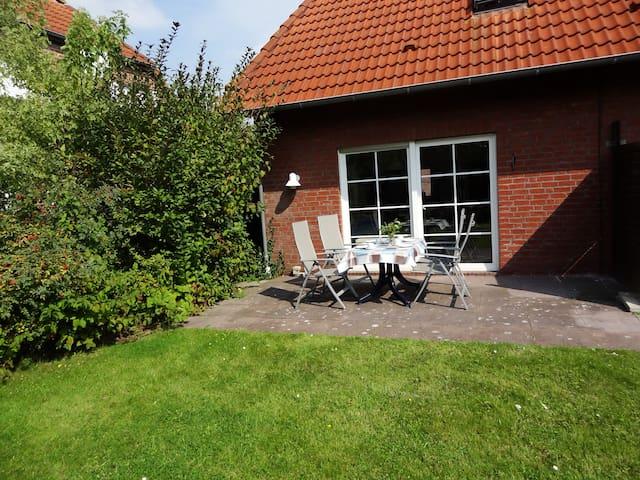 Kinderfreundliches Ferienhaus in Norddeich - Norden - Casa