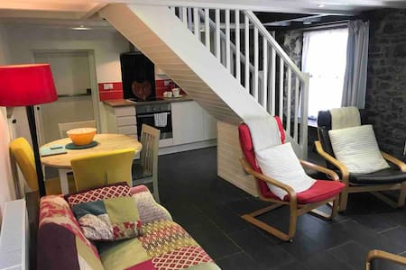 Cottage Style apartment on Gower coastal path