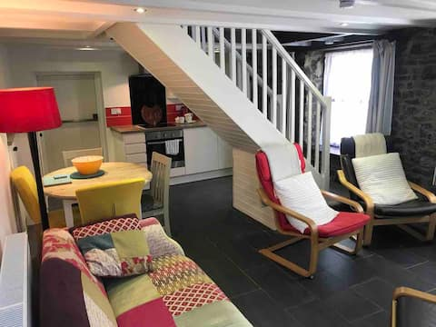 Cottage Style apartment on Gower coastal path