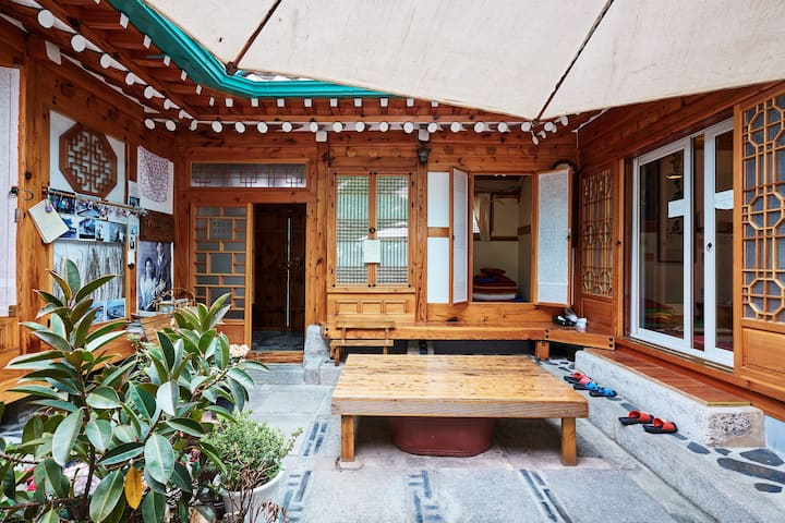 6인실 - 가시방 / 가온재 (Hanok Stay) 북촌한옥마을