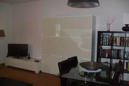 Doppia e Singola in Appartamento. - Ferrara