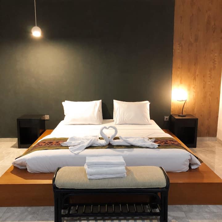 No.2Seminyak!1 bedroom with swimming pool