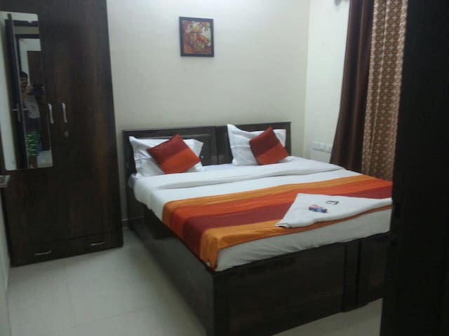 AC Room near Hiranandani Hospital n IIT Powai