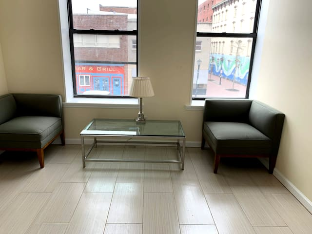 Long-term, fully furnished Poughkeepsie Main St