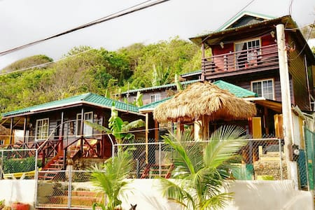 Villa Rasta/Ocean View Bungalows - Long Bay - Srub
