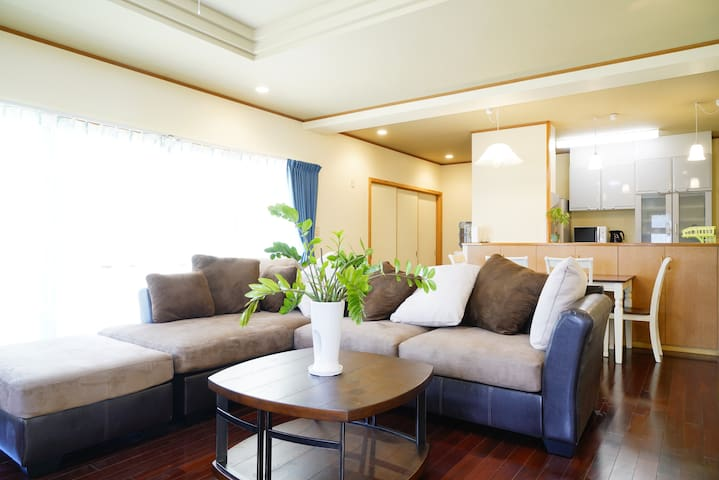 With the garden,beach is near,expressway,tatamimat - Urasoe - Casa