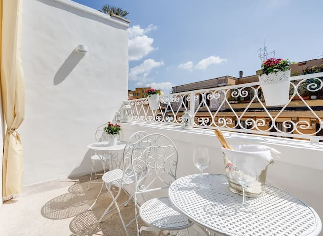 Central elegant - NEW! - top floor sunny terrace - Roma - Daire