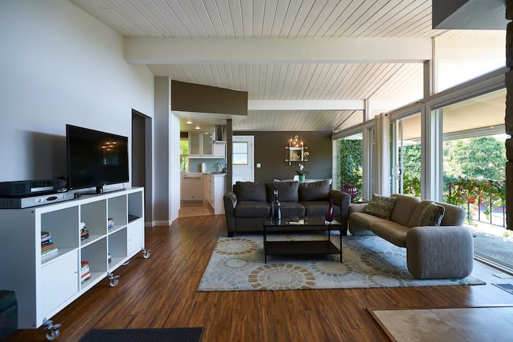 Remodeled Mid-century Modern in Dana Point