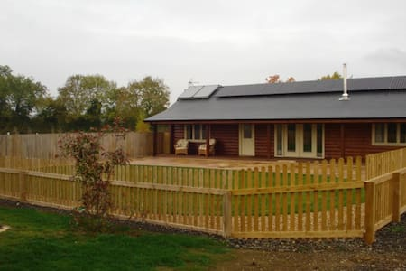 Luxury Eco Canadien log Cabin - Oxfordshire