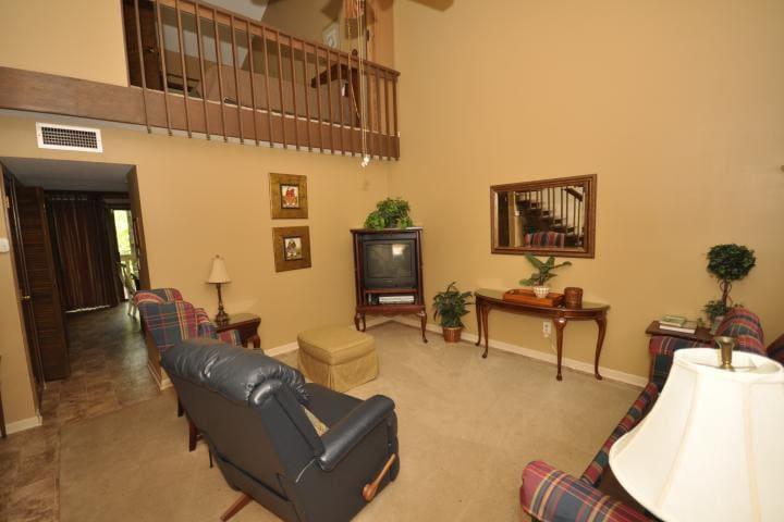 Fairway Villa #1002- Rumbling Bald Resort - Lake Lure - Villa