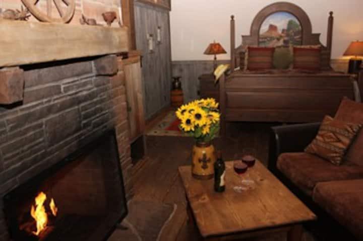 Lonesome Dove Romantic Villa @ Adobe Village Inn