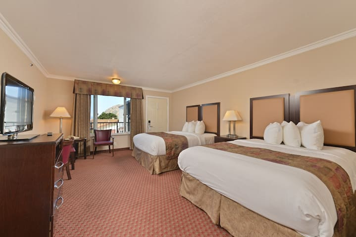 Two Queen Beds Private Room - Breakfast Included!! - Morro Bay - Diğer