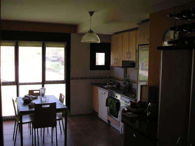 apartamento con asador - Cuzcurrita de Río Tirón - Byt