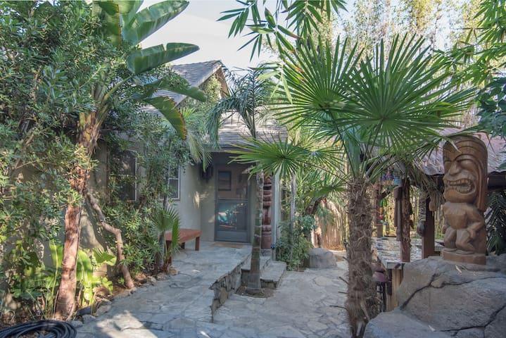 The Hana Iti - Los Angeles - Haus
