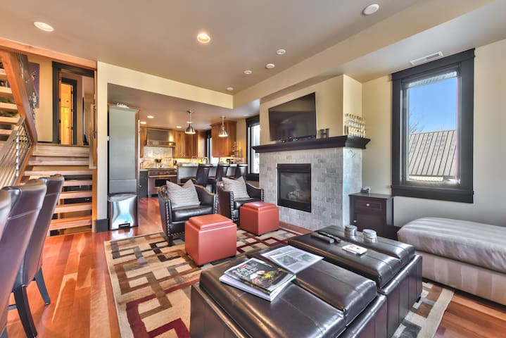 Living Room with Comfortable Furnishings, Smart TV on Full Swivel Mount and Gas Fireplace