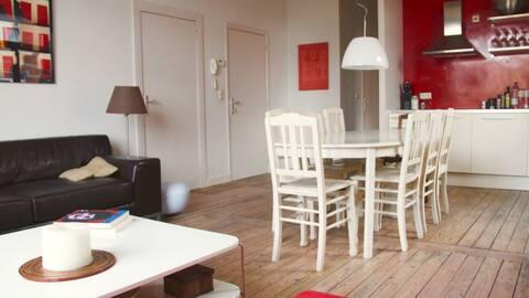 Charming & Spacious Apartment near Midi Station
