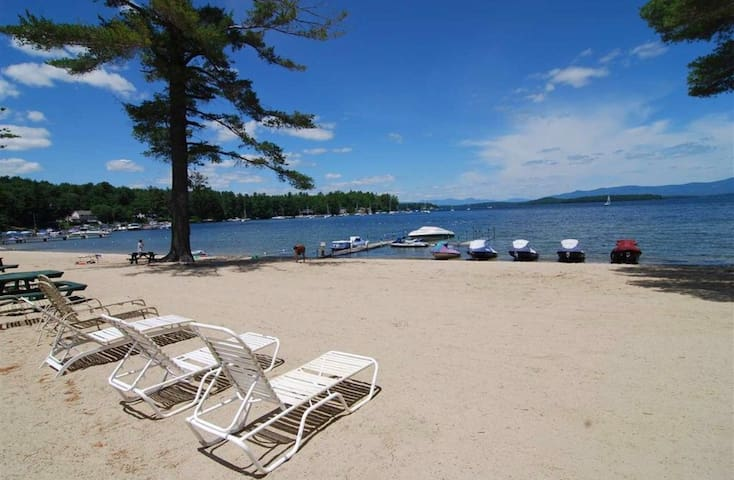 Lake Winnipesaukee Cozy 1 Bedroom Condo