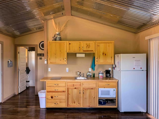 Prickly Pear Cabin-Your home away from home