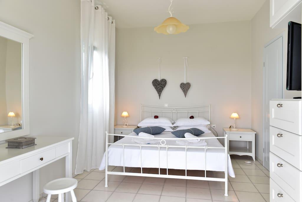 Master bedroom -  view 3