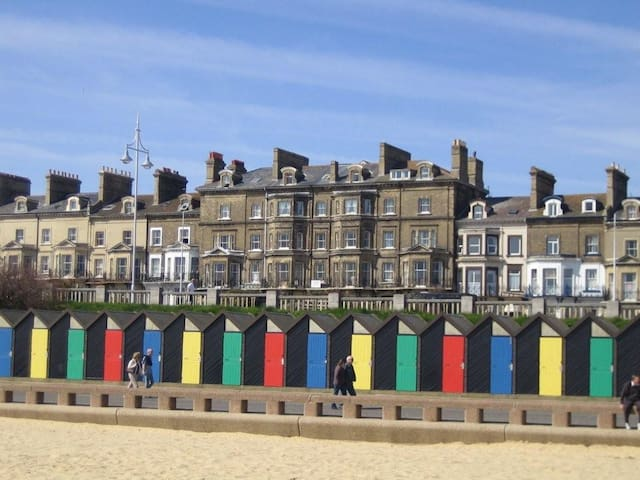 Seaside apartment with great sea view - Lowestoft - Lägenhet