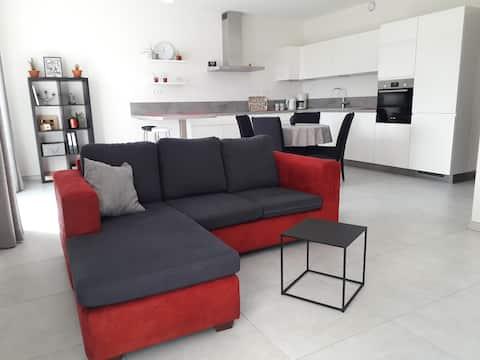 Nuevo apartamento tranquilo cerca de Thuin, Binche