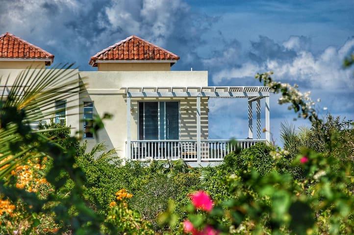 Wyakha 1 BR- Ocean Views -On beach+ Pool&Tiki huts