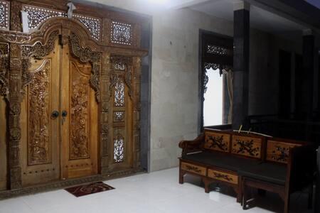 Uluwatu Arjuna House