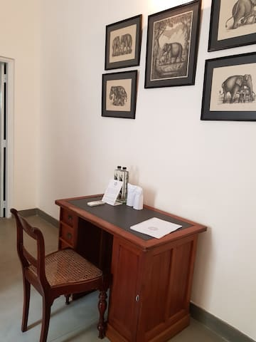 Elephant Room @ Gower House - Houses for Rent in Colombo, Western ...