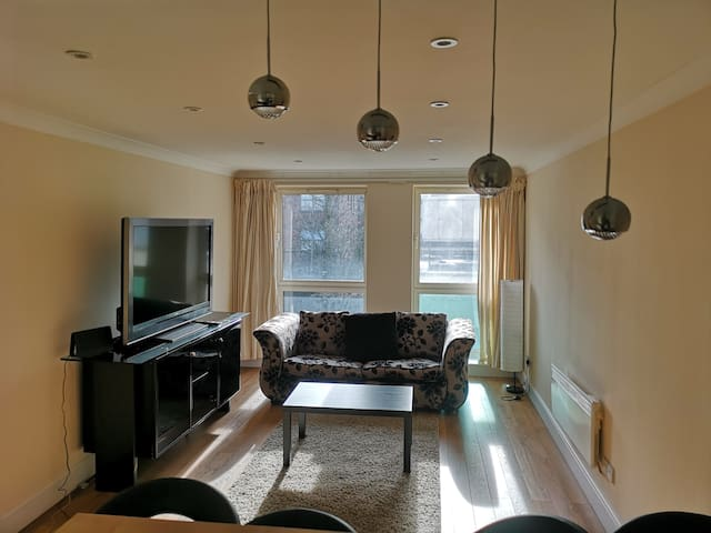 Beautiful home only minutes away from London eye