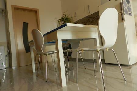 Modern studio apartment - Mellieħa - アパート